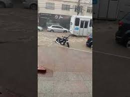 VIDEO | Woman is hit by electric scooter in Vila Velha and will have to undergo surgery